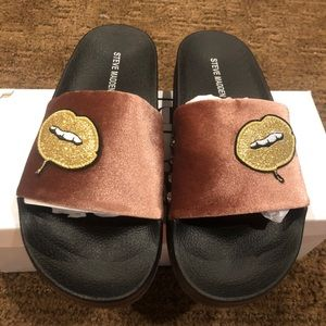 Steve Madden Patches Blush Lips Sandals